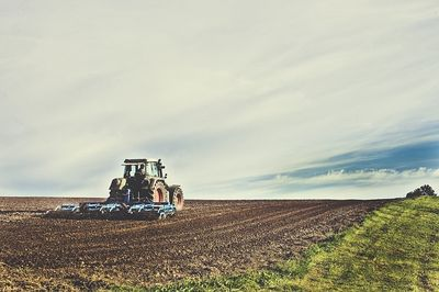 agricultural-machine-1919021_640.jpg